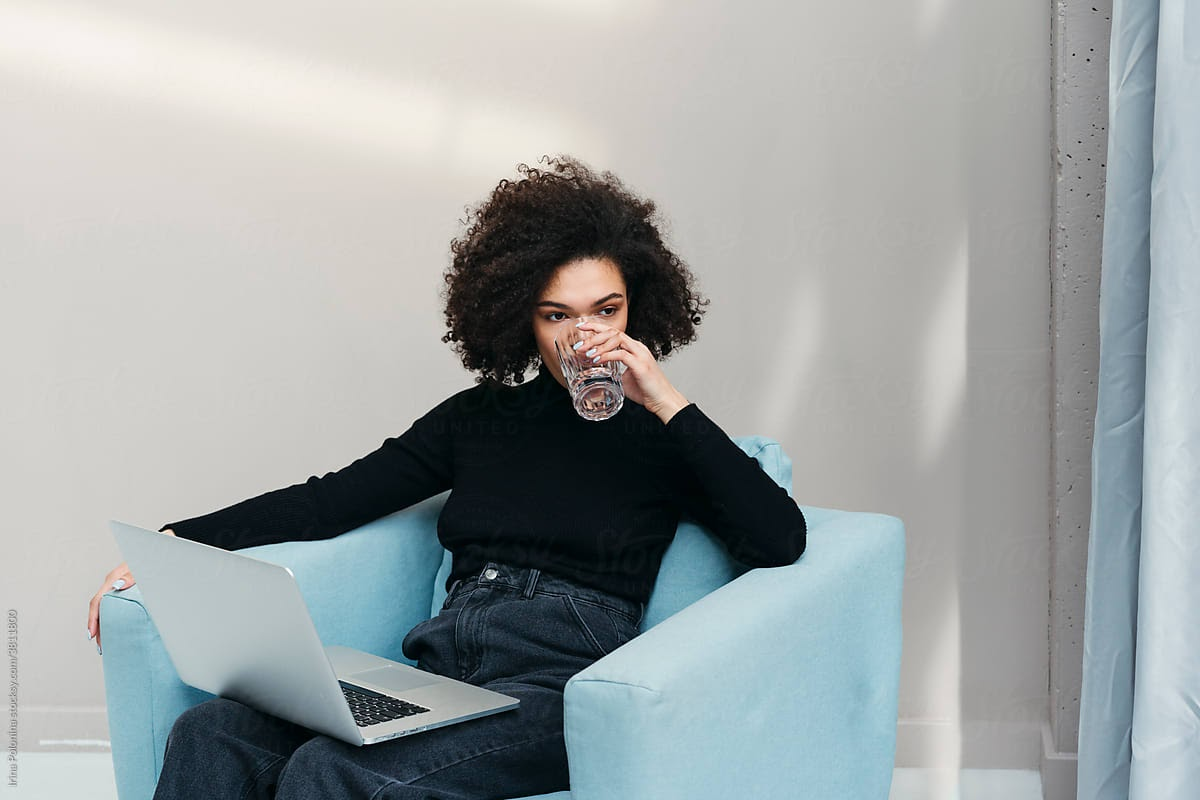 employee-drinking-water-while-working-health-at-work