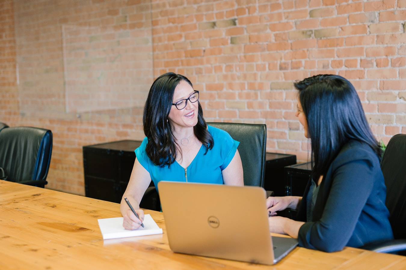two-woman-talking-millennial-employment