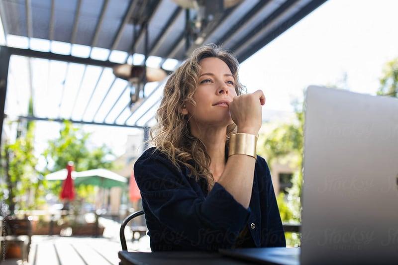 woman-thinking-growth-mindset