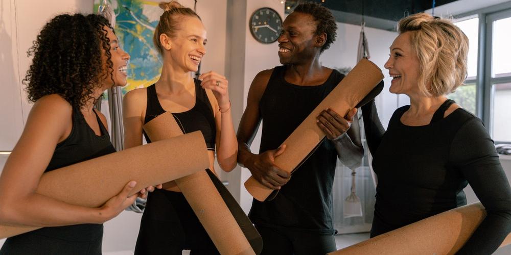 coworkers-yoga-employee-wellness